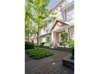 """Photo 1: 11 168 6TH Street in New Westminster: Uptown NW Townhouse for sale in """"ROYAL CITY TERRACE"""" : MLS®# V906623"""