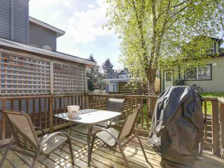 """Photo 9: 28 E 19TH Avenue in Vancouver: Main House for sale in """"MAIN"""" (Vancouver East)  : MLS®# R2161603"""