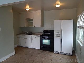 Photo 4: PACIFIC BEACH Property for sale: 821-25 Deal Ct in San Diego