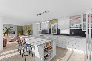 """Photo 6: 843 PARKER Street: White Rock House for sale in """"East Beach"""" (South Surrey White Rock)  : MLS®# R2590791"""