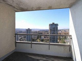"Photo 6: 2401 9521 CARDSTON Court in Burnaby: Government Road Condo for sale in ""Concorde Place"" (Burnaby North)  : MLS®# R2433813"