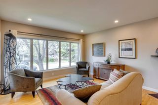 Photo 2: 32 Collingwood Place NW in Calgary: Collingwood Detached for sale : MLS®# A1135831