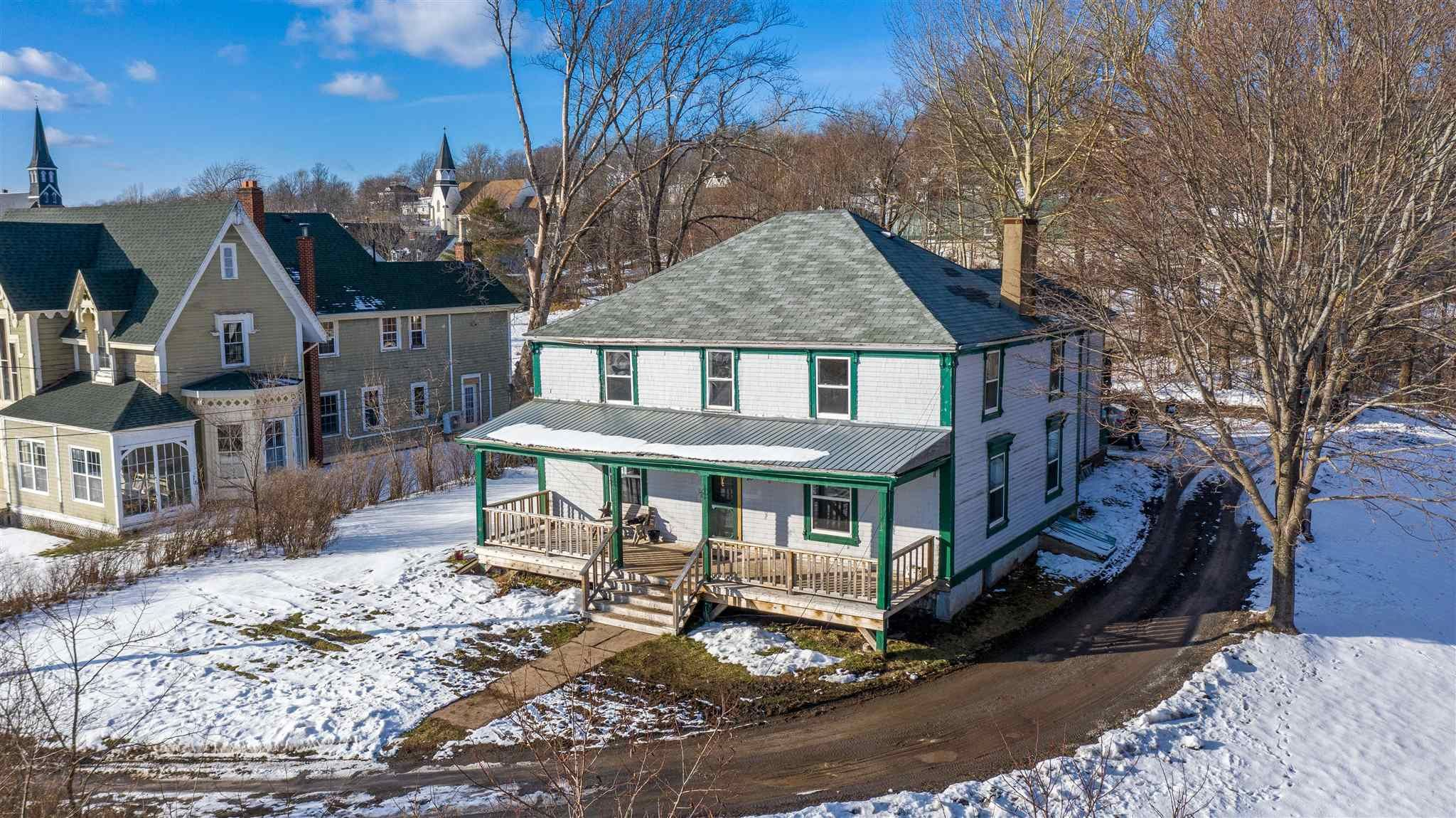 Main Photo: 76 Front Street in Pictou: 107-Trenton,Westville,Pictou Residential for sale (Northern Region)  : MLS®# 202101036