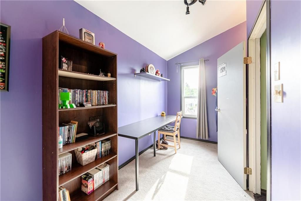 Photo 24: Photos: 805 Madeline Street in Winnipeg: West Transcona Residential for sale (3L)  : MLS®# 202114224