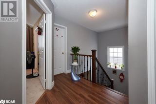 Photo 13: 23 ORLEANS Avenue in Barrie: House for sale : MLS®# 40079706