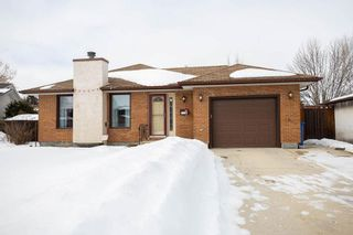 Photo 1: 8 Charles Hawkins Bay in Winnipeg: North Kildonan Residential for sale (3G)  : MLS®# 202005872