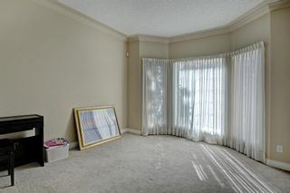 Photo 2: 30 Simcrest Manor SW in Calgary: Signal Hill Detached for sale : MLS®# A1146154