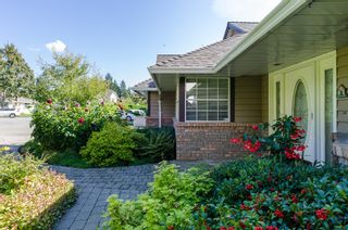Photo 2: 909 164A Street in Surrey: King George Corridor House for sale (South Surrey White Rock)  : MLS®# R2002235