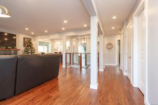 Photo 4: 1849 Carnarvon St in : SE Camosun House for sale (Saanich East)  : MLS®# 861846