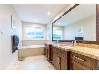 "Photo 13: 2325 CHARDONNAY Lane in Abbotsford: Aberdeen House for sale in ""Pepin Brook Vineyard Estates- West Abbos"" : MLS®# R2432041"