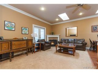 Photo 4: 3610 Pondside Terr in VICTORIA: Co Latoria House for sale (Colwood)  : MLS®# 720994