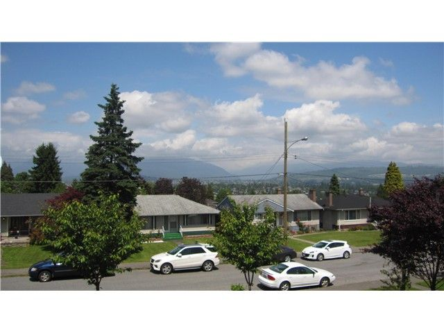 Photo 18: Photos: 4776 SHEPHERD ST in Burnaby: Forest Glen BS 1/2 Duplex for sale (Burnaby South)  : MLS®# V1068290