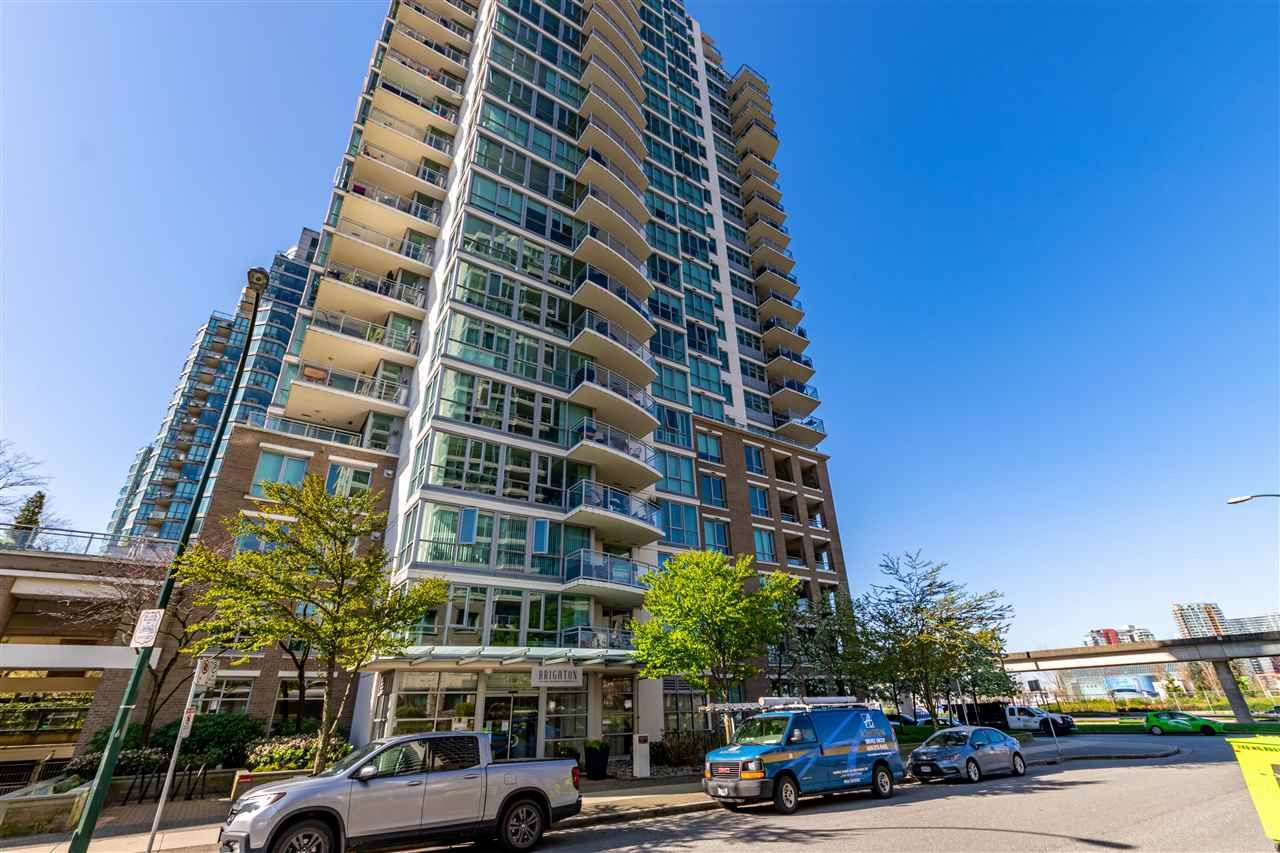 """Photo 3: Photos: 1605 120 MILROSS Avenue in Vancouver: Downtown VE Condo for sale in """"THE BRIGHTON BY BOSA"""" (Vancouver East)  : MLS®# R2568798"""