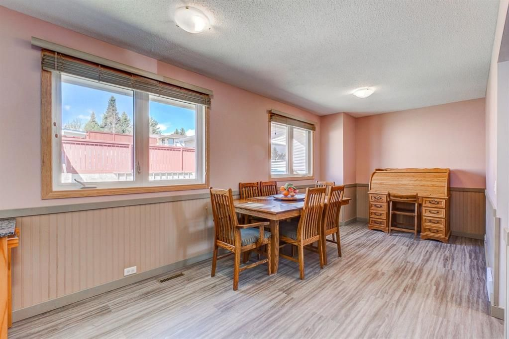 Photo 11: Photos: 499 Canterbury Drive SW in Calgary: Canyon Meadows Detached for sale : MLS®# A1107365