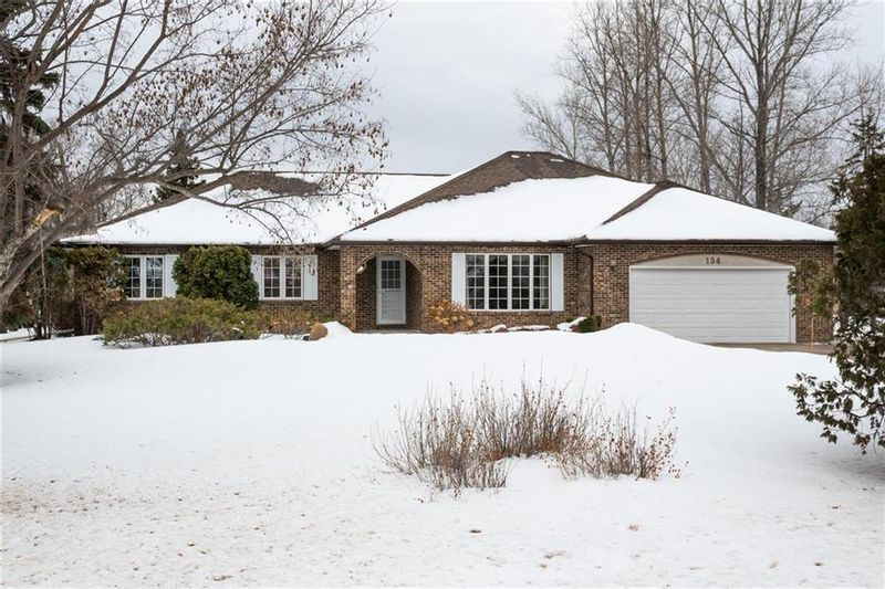 FEATURED LISTING: 154 OLD RIVER Road St Clements