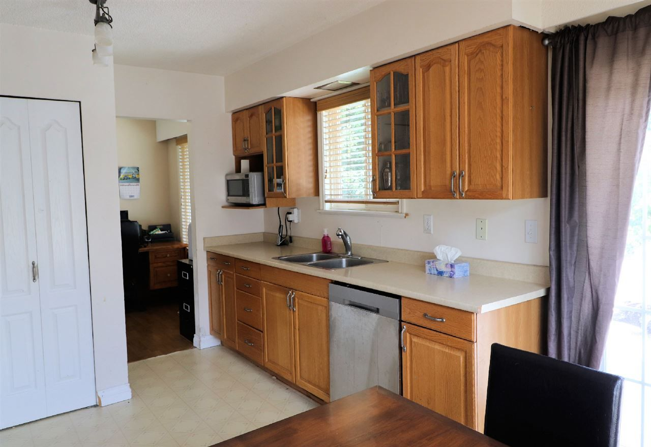 Photo 12: Photos: 10554 PONDERAY Street in Chilliwack: Fairfield Island House for sale : MLS®# R2472985