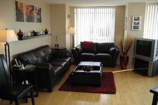 Photo 2: 33 650 W Lawrence Avenue in Toronto: Condo for sale (C04: TORONTO)  : MLS®# C1854471