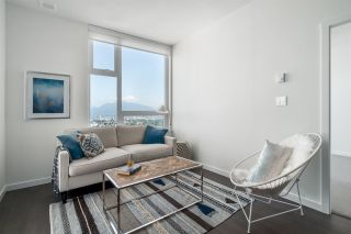 """Photo 7: 3202 5515 BOUNDARY Road in Vancouver: Collingwood VE Condo for sale in """"Wall Centre Central Park"""" (Vancouver East)  : MLS®# R2208071"""