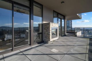 "Photo 14: 1903 2959 GLEN Drive in Coquitlam: North Coquitlam Condo for sale in ""PARC"" : MLS®# R2239898"
