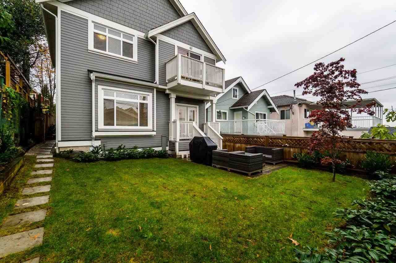 Main Photo: 1969 E 5TH Avenue in Vancouver: Victoria VE 1/2 Duplex for sale (Vancouver East)  : MLS®# R2119923