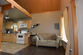 """Photo 14: 18865 GRANTHAM Road in Smithers: Smithers - Rural House for sale in """"Grantham"""" (Smithers And Area (Zone 54))  : MLS®# R2389601"""