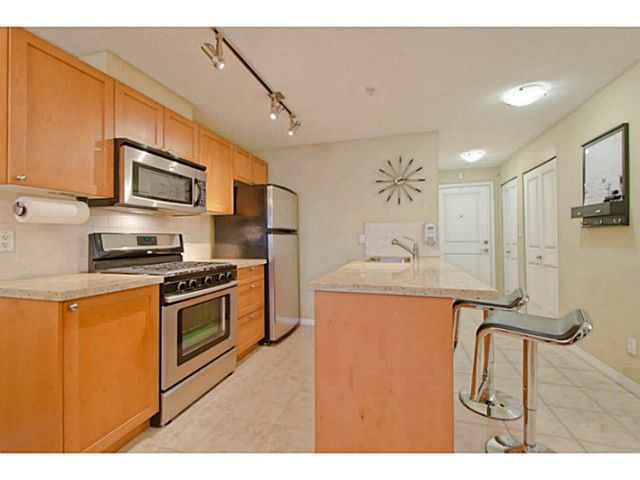 Photo 4: Photos: # 209 2636 E HASTINGS ST in Vancouver: Renfrew VE Condo for sale (Vancouver East)  : MLS®# V1039275