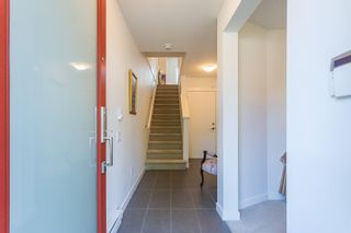 Photo 4: 5 19159 WATKINS Drive in Surrey: Clayton Townhouse for sale (Cloverdale)  : MLS®# R2598672
