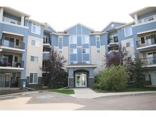 Photo 2: 206 120 COUNTRY VILLAGE Circle NE in Calgary: Country Hills Village Condo for sale : MLS®# C4028039
