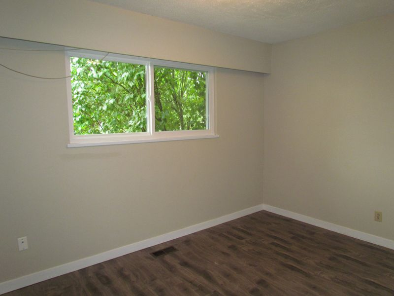Photo 7: Photos: 2681 Victoria Street in Abbotsford: Clearbrook House for rent
