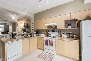 Photo 8: 35 6888 Robson Drive in Stanford Place: Terra Nova Home for sale ()  : MLS®# V1103171
