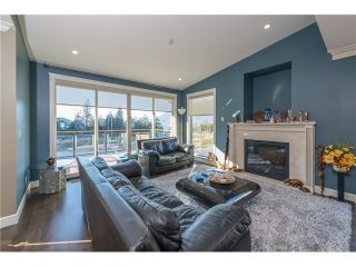 Photo 2: 915 THISTLE PL in Squamish: Britannia Beach House for sale : MLS®# V1110982