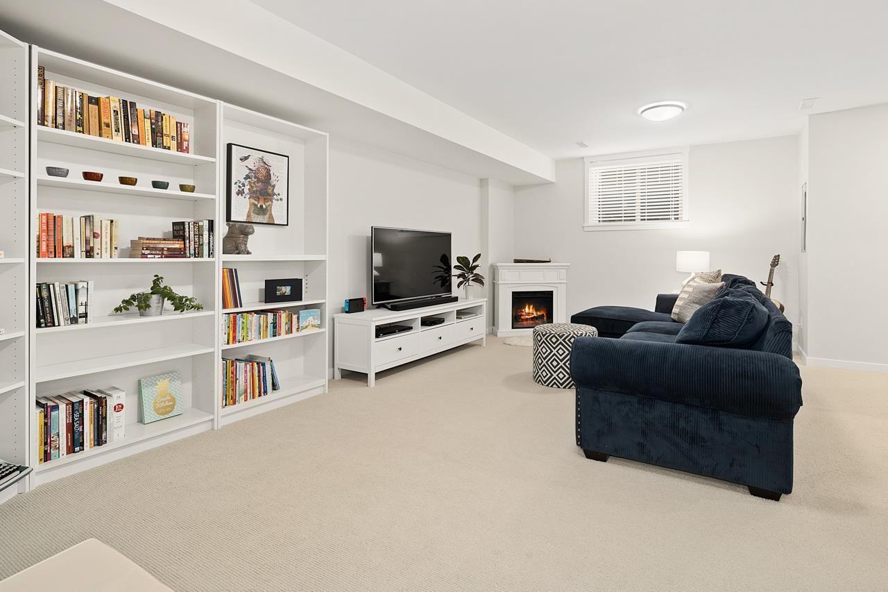 "Photo 25: Photos: 2452 165 Street in Surrey: Grandview Surrey Condo for sale in ""Hycroft"" (South Surrey White Rock)  : MLS®# R2545917"