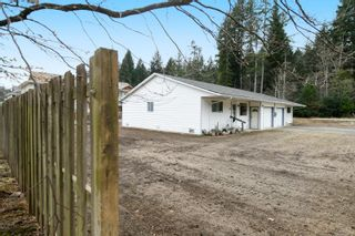 Photo 3: 2110 Lake Trail Rd in : CV Courtenay City Full Duplex for sale (Comox Valley)  : MLS®# 869253