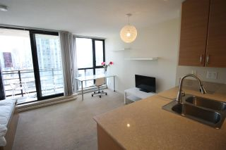 """Photo 15: 1303 909 MAINLAND Street in Vancouver: Yaletown Condo for sale in """"YALETOWN PARK 2"""" (Vancouver West)  : MLS®# R2561164"""