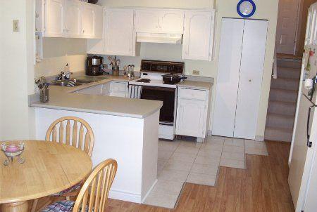 Photo 4: Photos: 225 Balmoral Place: Condo for sale (North Shore Pt Moody)  : MLS®# 712923