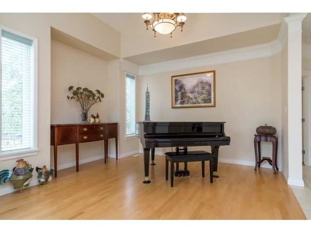 Photo 6: Photos: 11127 156A Street in Surrey: Fraser Heights House for sale (North Surrey)  : MLS®# R2071539