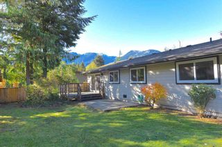 Photo 1: 38028 GUILFORD Drive in Squamish: Valleycliffe House for sale : MLS®# R2217229
