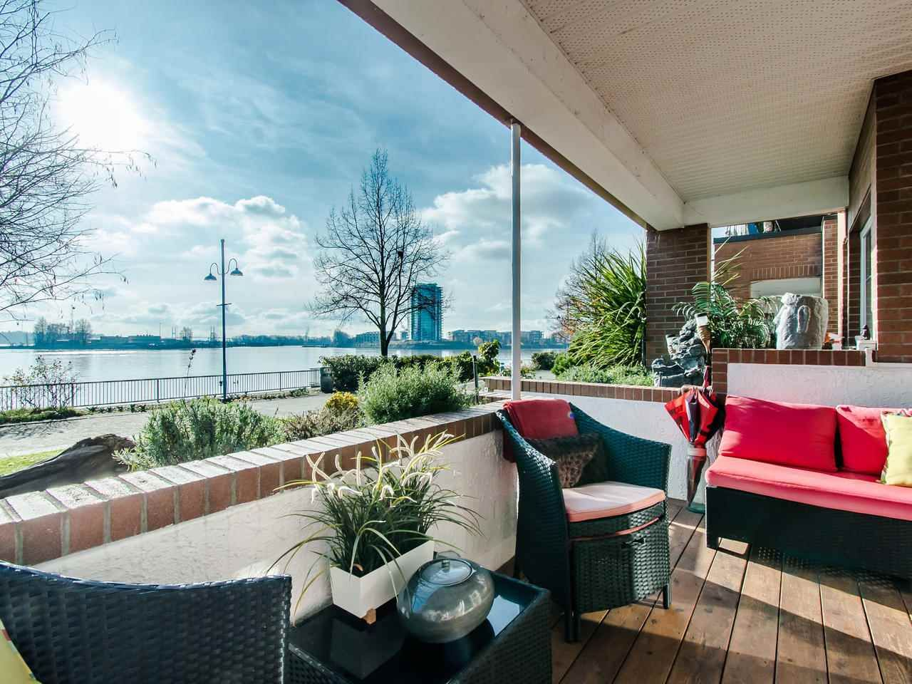 Main Photo: 103 12 K DE K Court in New Westminster: Quay Condo for sale : MLS®# R2419227