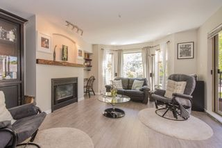 """Photo 2: 208 55 E 10TH Avenue in Vancouver: Mount Pleasant VE Condo for sale in """"Abbey Lane"""" (Vancouver East)  : MLS®# R2169638"""