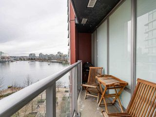 "Photo 18: 806 8 SMITHE Mews in Vancouver: Yaletown Condo for sale in ""FLAGSHIP"" (Vancouver West)  : MLS®# R2549159"