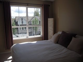 """Photo 6: 302 1150 E 29TH Street in North Vancouver: Lynn Valley Condo for sale in """"Highgate"""" : MLS®# V825979"""