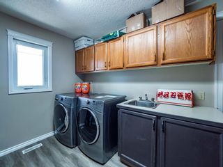 Photo 14: 256 Sirocco Place SW in Calgary: Signal Hill Detached for sale : MLS®# A1143867