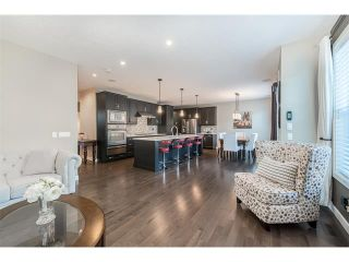 Photo 10: 22 ROCKFORD Road NW in Calgary: Rocky Ridge House for sale : MLS®# C4115282