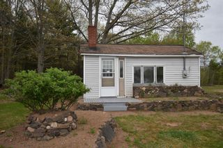 Photo 3: 1086 Highway 201 in Greenwood: 404-Kings County Residential for sale (Annapolis Valley)  : MLS®# 202118280