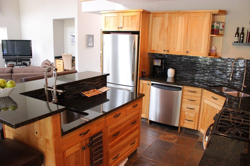 Photo 10: Photos: 3585 Navatanee Drive in Kamloops: Campbell Cr/Del Oro House for sale : MLS®# 123375