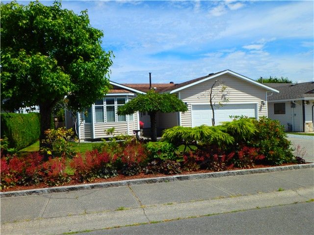 Main Photo: 12134 CHERRYWOOD Drive in Maple Ridge: East Central House for sale : MLS®# V1129263