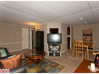 "Photo 8: 18 2303 CRANLEY Drive in Surrey: King George Corridor Manufactured Home for sale in ""SUNNYSIDE"" (South Surrey White Rock)  : MLS®# F1028956"