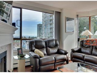 "Photo 3: 709 15111 RUSSELL Avenue: White Rock Condo for sale in ""PACIFIC TERRACE"" (South Surrey White Rock)  : MLS®# F1405374"