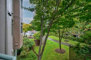 """Photo 23: 316 6735 STATION HILL Court in Burnaby: South Slope Condo for sale in """"COURTYARDS"""" (Burnaby South)  : MLS®# R2615271"""