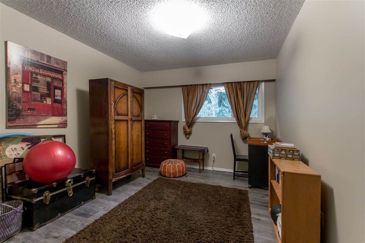"""Photo 11: Photos: 8918 CENTAURUS Circle in Burnaby: Simon Fraser Hills Townhouse for sale in """"Simon Fraser Hills"""" (Burnaby North)  : MLS®# R2347443"""